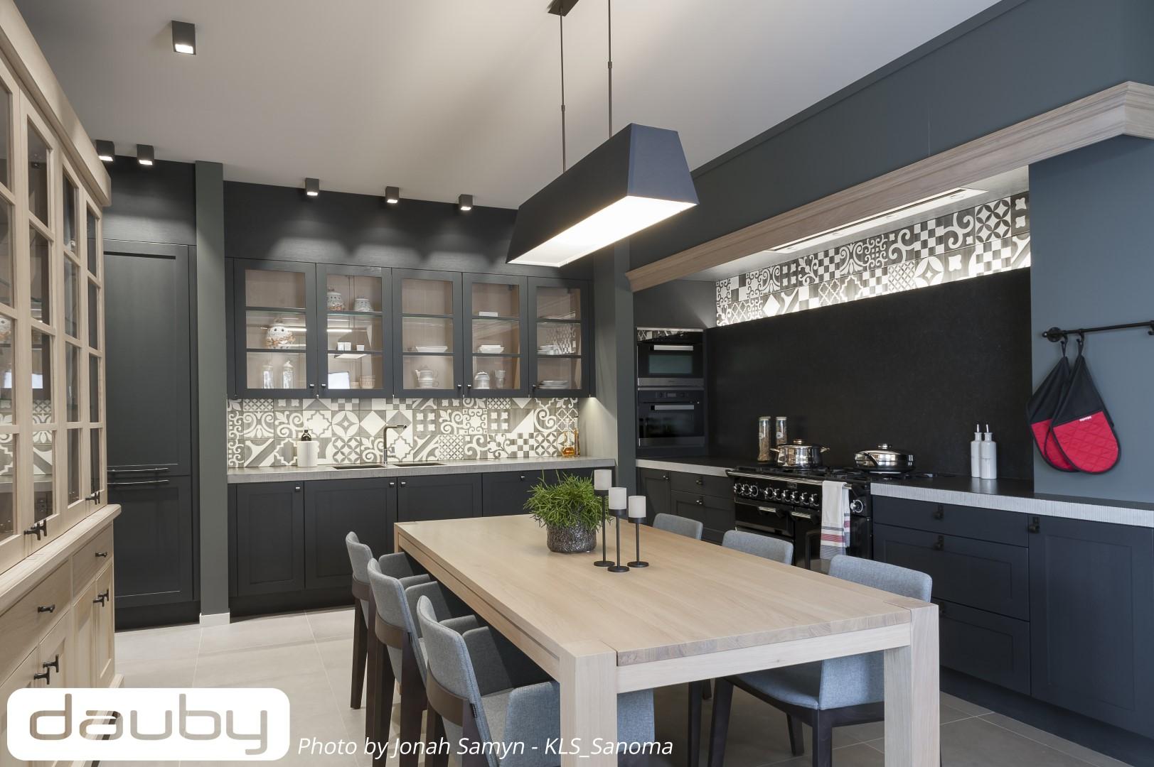 die k che ohne abbrucharbeiten renovieren einige tipps dauby. Black Bedroom Furniture Sets. Home Design Ideas