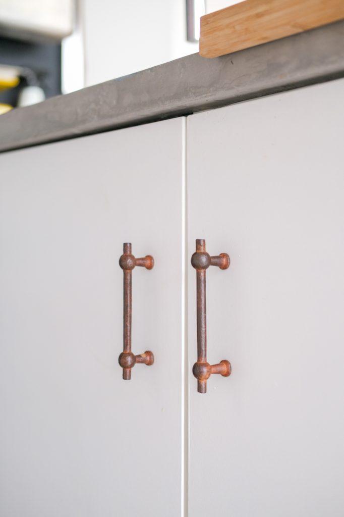 Mirjam Hart - CDF meubelbeslag in Roest voor haar nieuwe keuken
