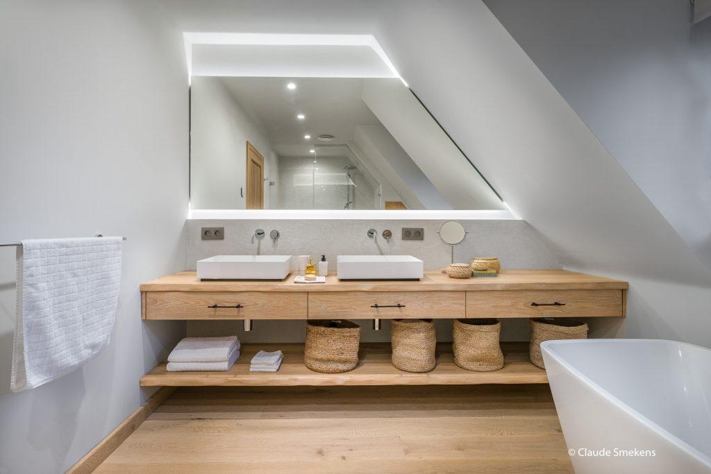 Badkamer met Pure - PMT meubelbeslag in Verouderd Ijzer